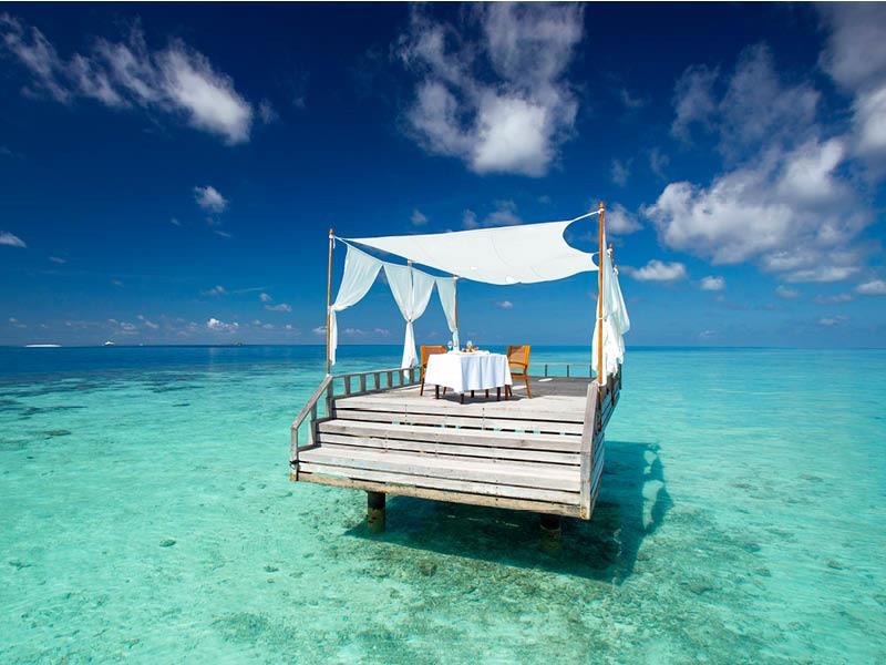 20 Pictures of the Best Overwater Bungalows Resort in the Maldives-20