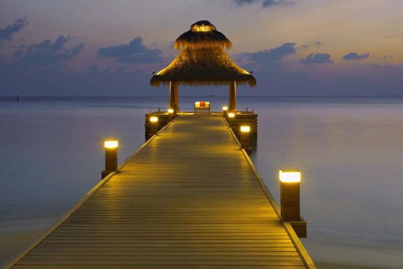 20 Pictures of the Best Overwater Bungalows Resort in the Maldives-3