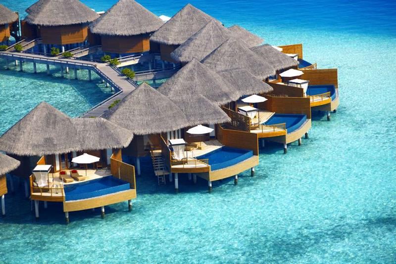 20 Pictures of the Best Overwater Bungalows Resort in the Maldives-5