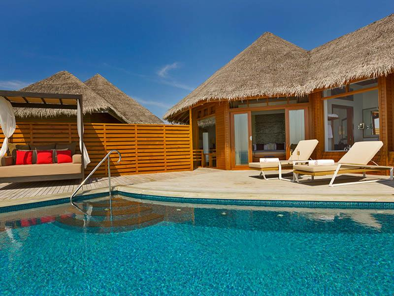 20 Pictures of the Best Overwater Bungalows Resort in the Maldives-6