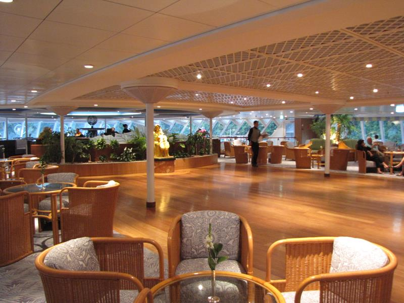 21 Stunning Pictures of the Ultra Luxury Crystal Serenity Cruise Ship-15