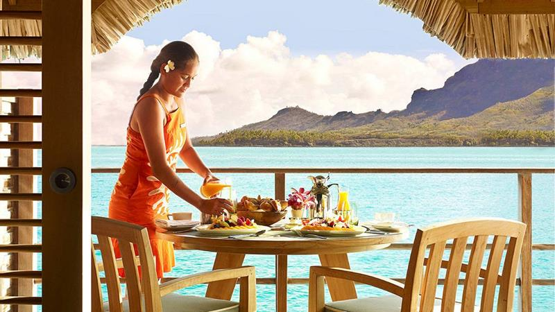 22 Pictures of the Best Overwater Bungalows Resort in Bora Bora-15