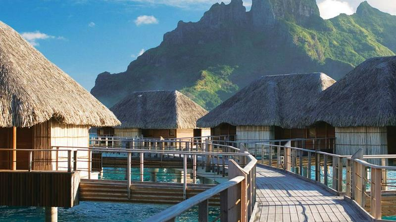22 Pictures of the Best Overwater Bungalows Resort in Bora Bora-2