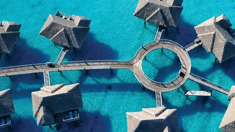 22 Pictures of the Best Overwater Bungalows Resort in Bora Bora-22