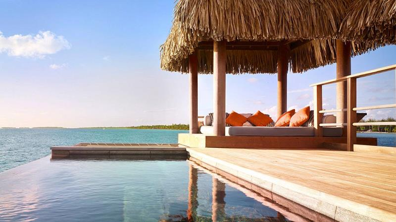 22 Pictures of the Best Overwater Bungalows Resort in Bora Bora-3