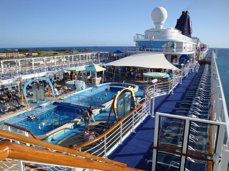 24 Pictures of the Best Cruise Ship that Cruises to Hawaii-4
