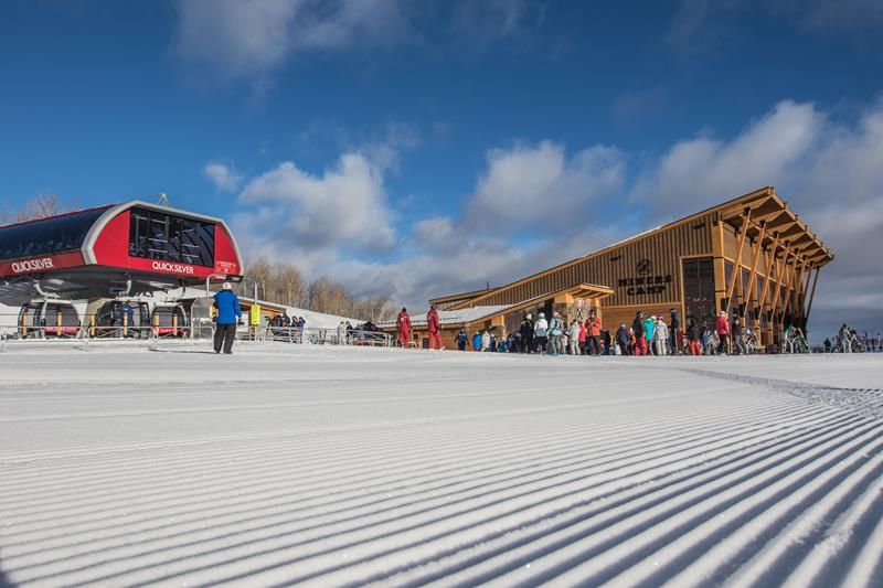 15 Pictures of the New Largest Ski Resort in the United States-1