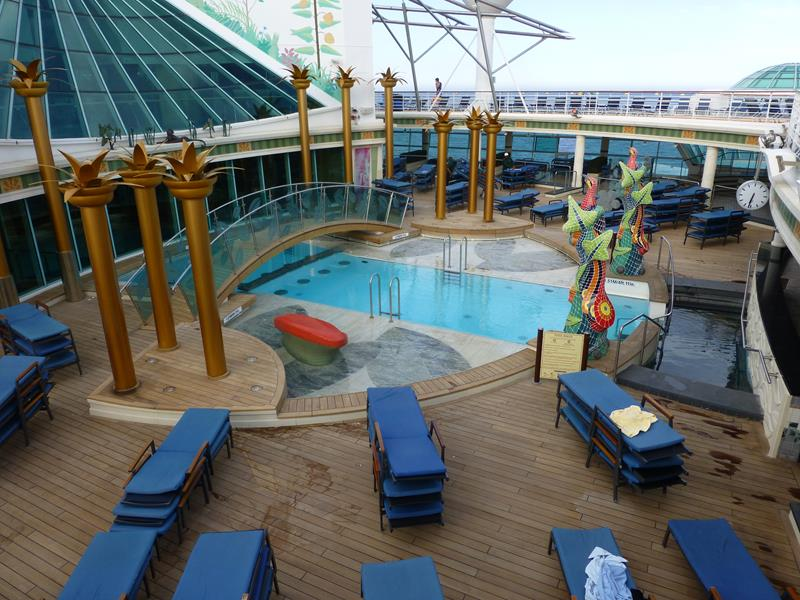 22 Amazing Pictures of the Independence of the Seas-7