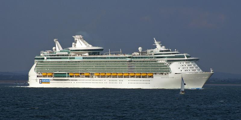 22 Amazing Pictures of the Independence of the Seas-title