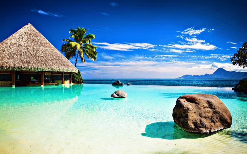 25 Stunning Beach Resorts to Visit this Winter-title