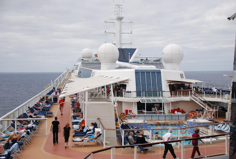 22 Pictures of the Amazing Celebrity Equinox-5