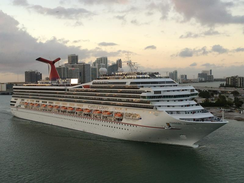 23 Photos of the Carnival Liberty-title