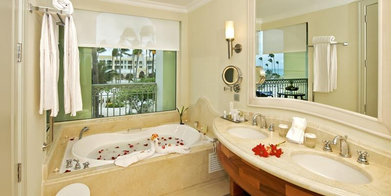 24 Pictures of the Wonderful Iberostar Grand Hotel Bavaro in Punta Cana-23