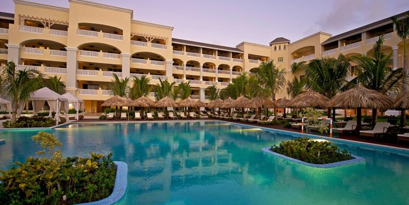 25 Photos of the Beautiful Iberostar Grand Hotel Rose Hall-title