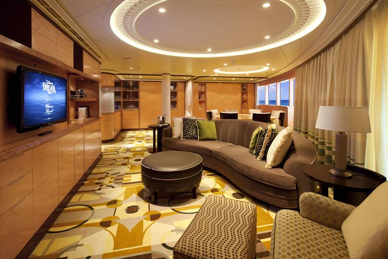 The 10 Best Cruise Ship Suites-1