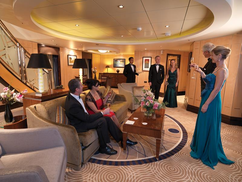 The 10 Best Cruise Ship Suites-5