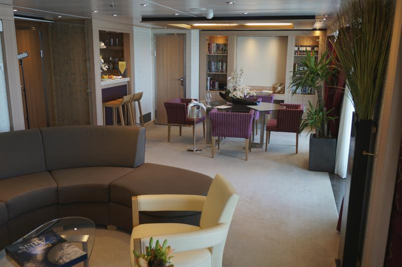 The 10 Best Cruise Ship Suites-9
