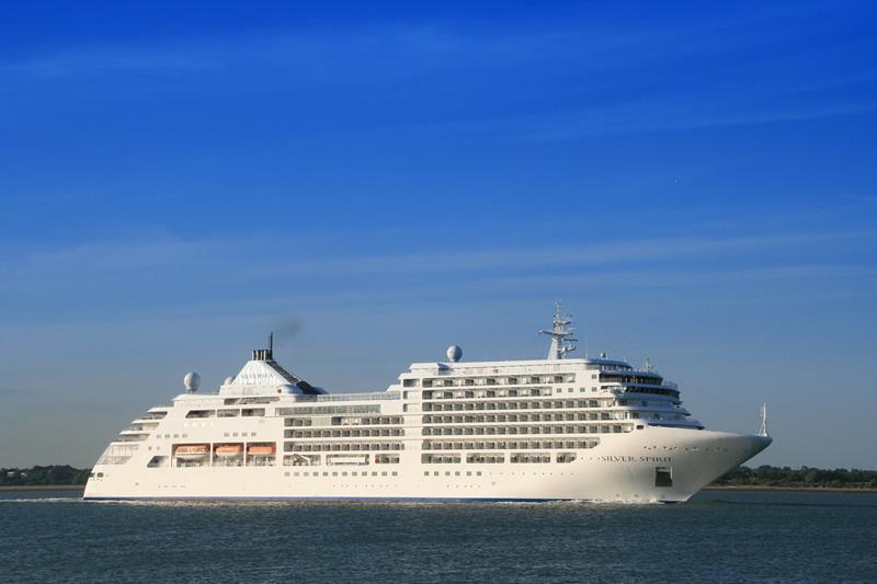 The 10 Best Luxury Cruise Ships-4