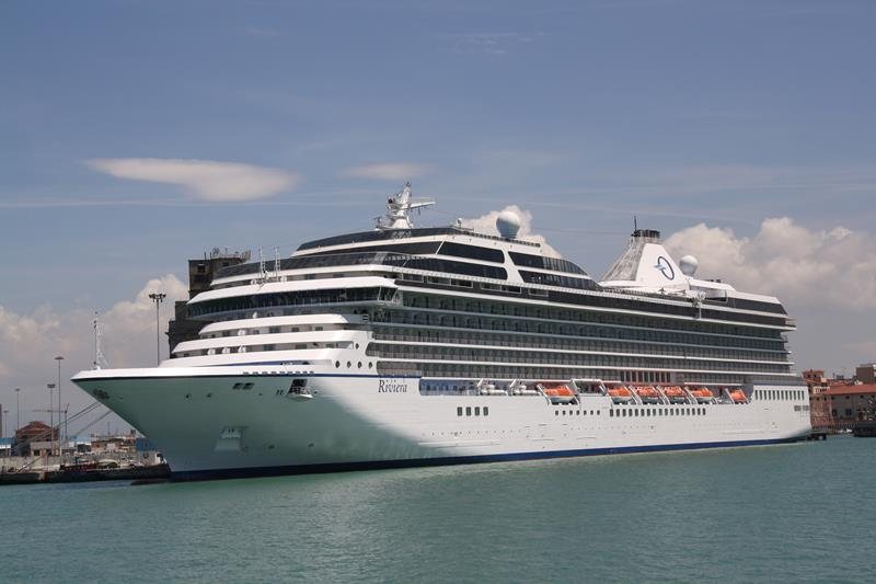 The 10 Best Luxury Cruise Ships-5