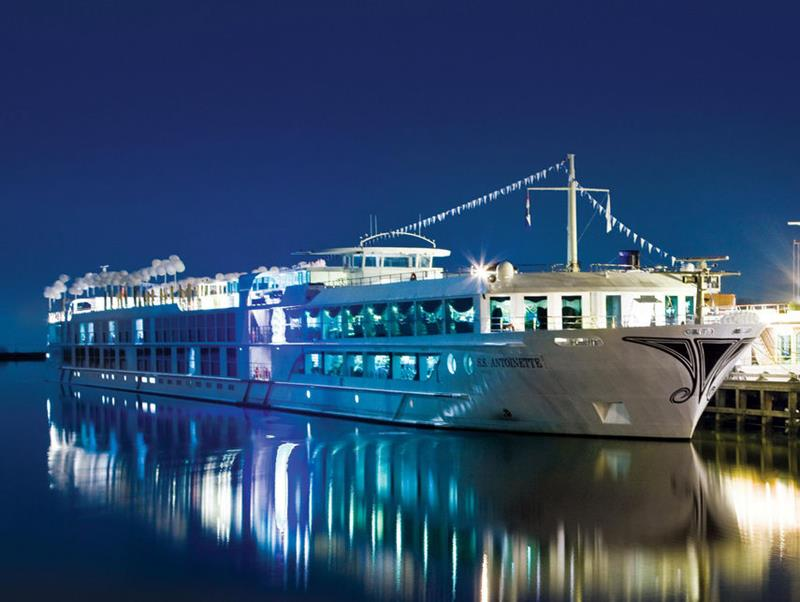 The 10 Best Luxury Cruise Ships-7
