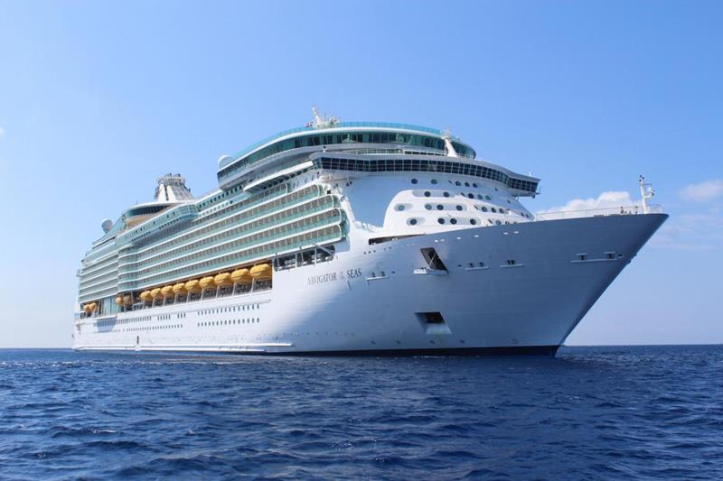 22 Photos Of Royal Caribbeans Beautiful Navigator of the Seas-title
