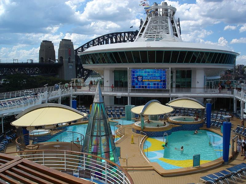 25 Pictures of the Royal Caribbean Voyager of the Seas-2