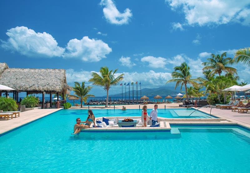 10 All Inclusive Resorts that Are Renovated and Ready for 2016-10