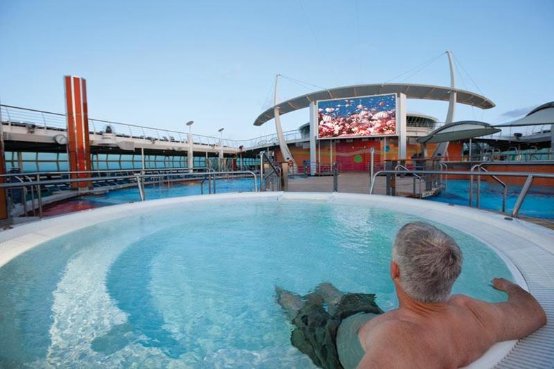 14 Amazing Things You Can Do For Free on Cruise Ships-12
