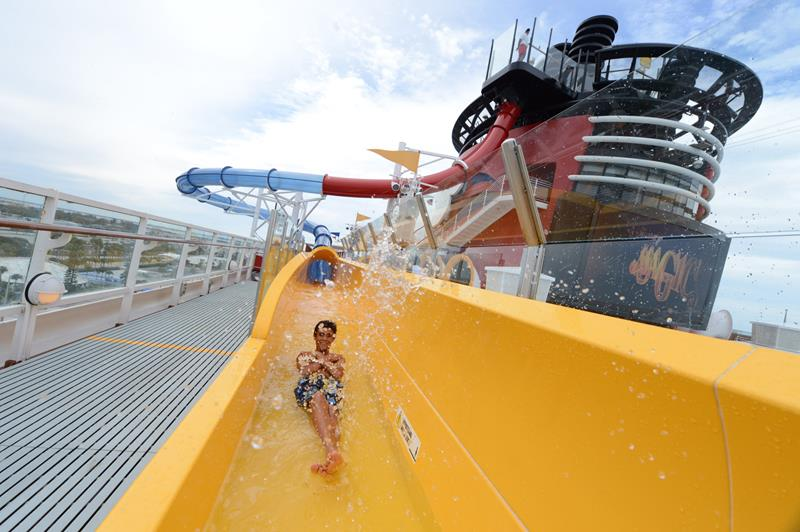 The 6 Best Cruise Ship Water Parks-1a