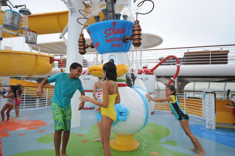 The 6 Best Cruise Ship Water Parks-1b