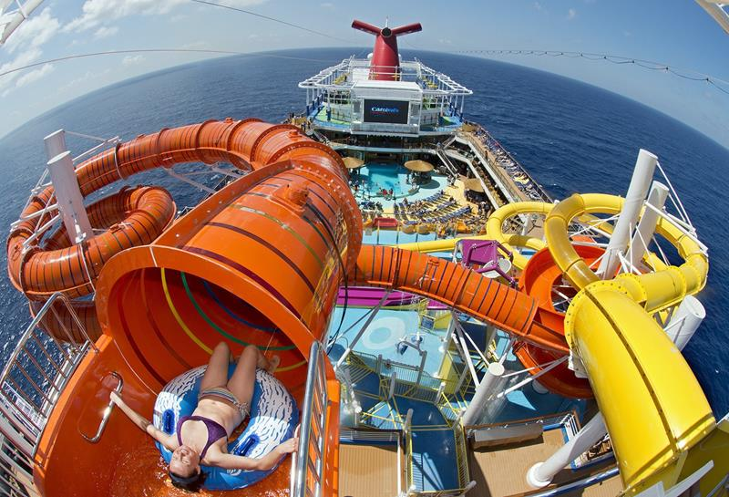 The 6 Best Cruise Ship Water Parks-4a