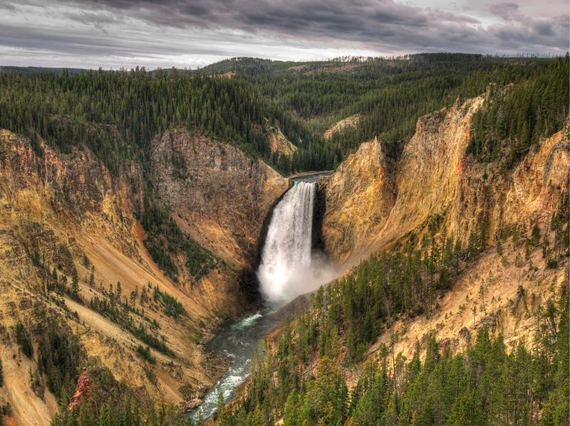 The 8 Most Breathtaking Waterfalls in the United States-5