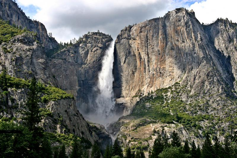 The 8 Most Breathtaking Waterfalls in the United States-6