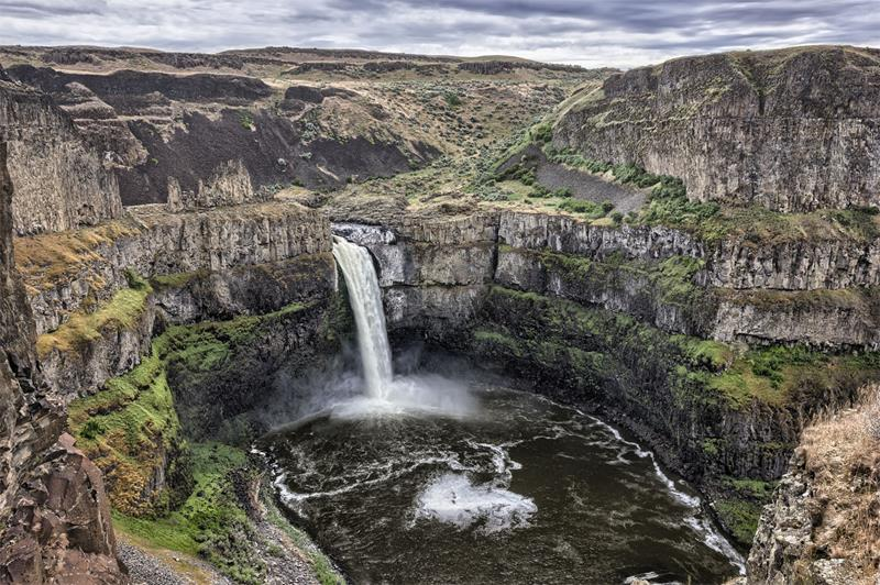 The 8 Most Breathtaking Waterfalls in the United States-8