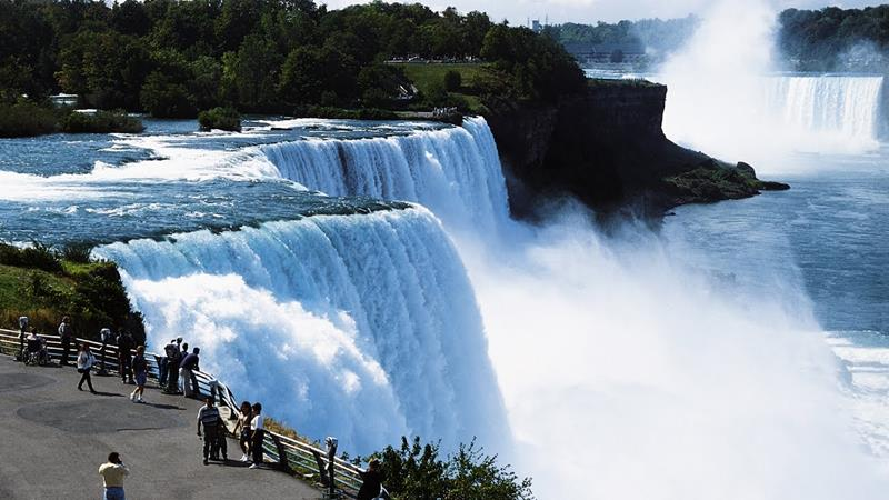 The 8 Most Breathtaking Waterfalls in the United States-title