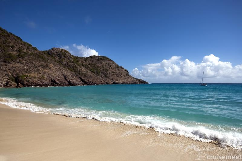 The 15 Best Beaches in the Caribbean Islands-1