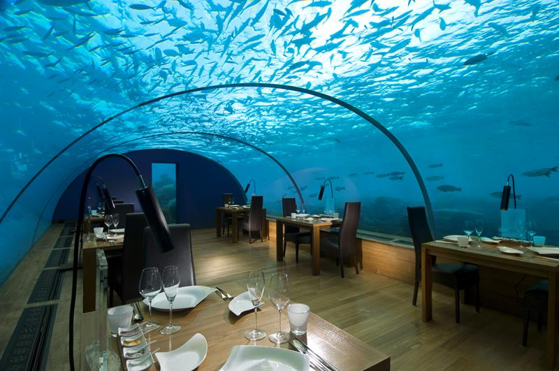 the-most-amazing-underwater-hotel-experiences-in-the-world-3