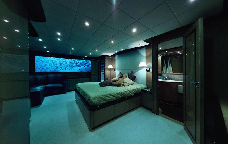 the-most-amazing-underwater-hotel-experiences-in-the-world-8