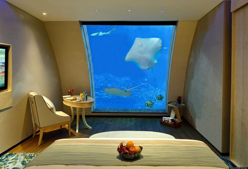 the-most-amazing-underwater-hotel-experiences-in-the-world-9