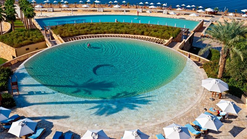 The 20 Most Breathtaking Swimming Pools In The World